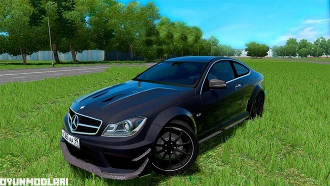mercedes-benz-c63-amg-araba