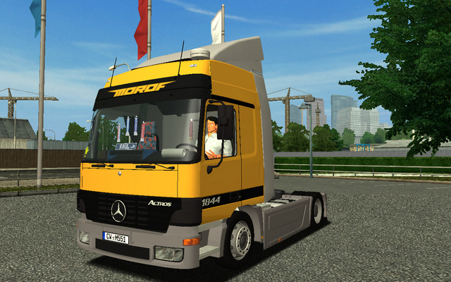 Photo of Mercedes Actros MP1